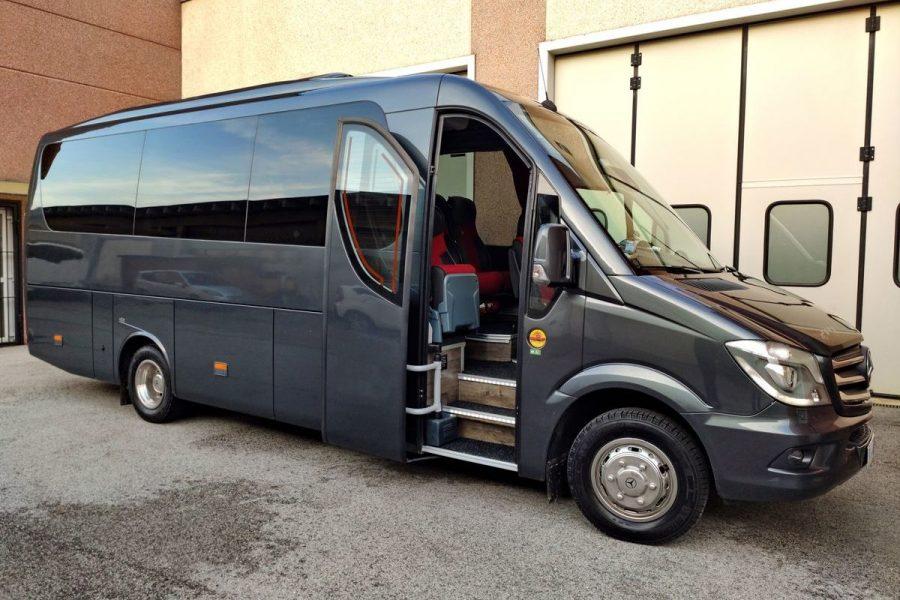 Mercedes-Sprinter-22-pax.-VIP_res_1-1200x800